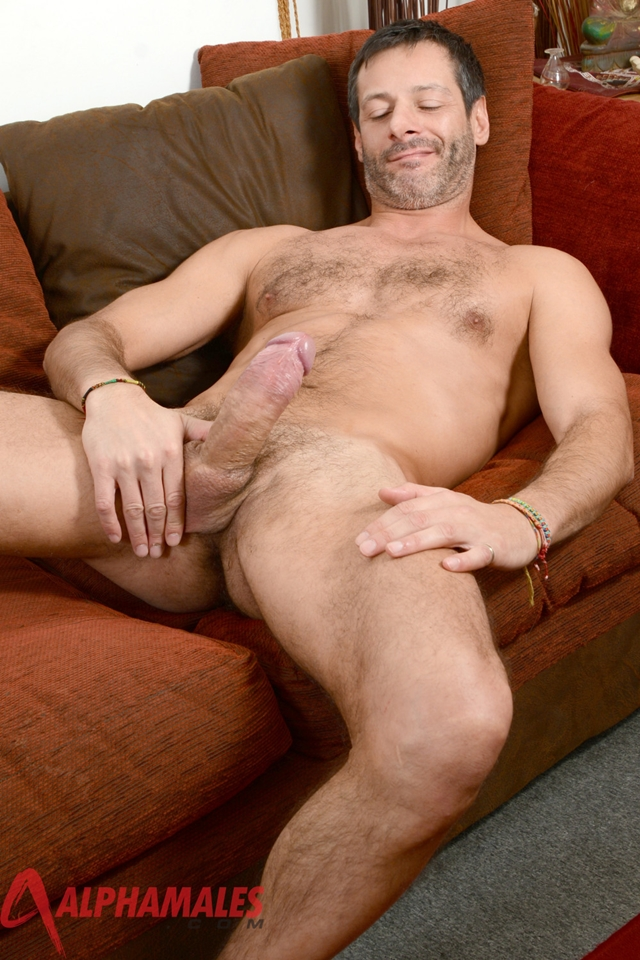 Hairy-hunk-Antonio-Garcia-AlphaMales-04-gay-porn-movies-download-torrent-photo