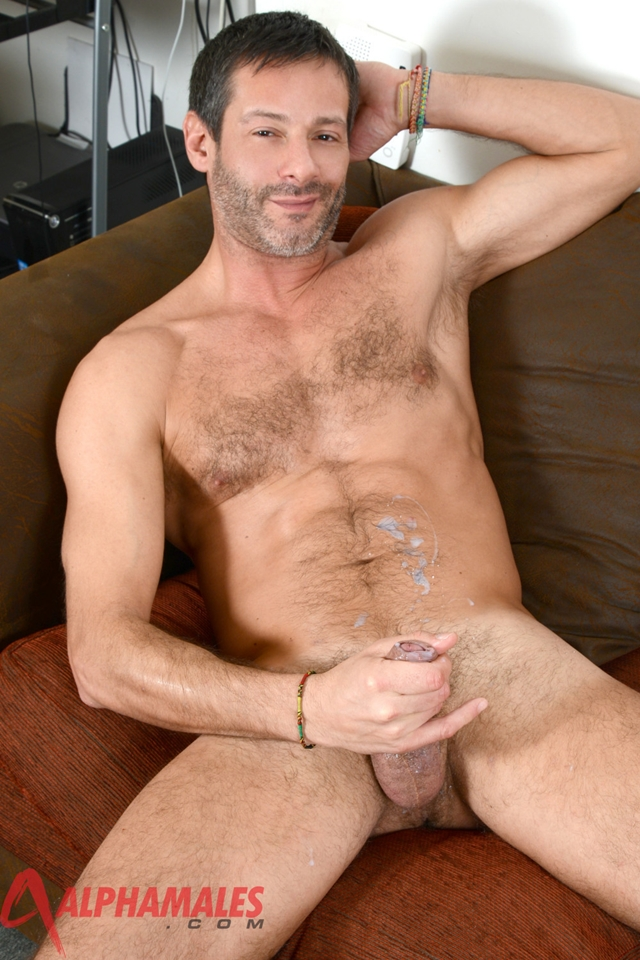 Hairy-hunk-Antonio-Garcia-AlphaMales-08-gay-porn-movies-download-torrent-photo