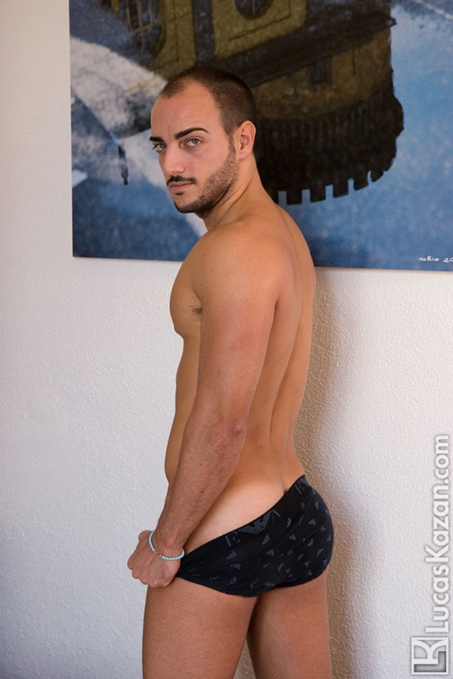 Gay-porn-pics-05-Manuel-Lucas-Kazan-Italian-latin-gay-men-latino-straight-men-naked-straight-latino-men-photo
