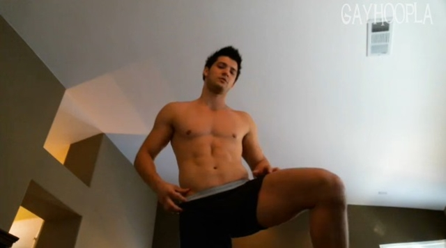 Gay-Hoopla-GayHoopla-Jesse-Blum-ass-butt-cheeks-huge-cum-shot-TV-Television-Eonline-newest-reality-show-Escape-Club-011-male-tube-red-tube-gallery-photo