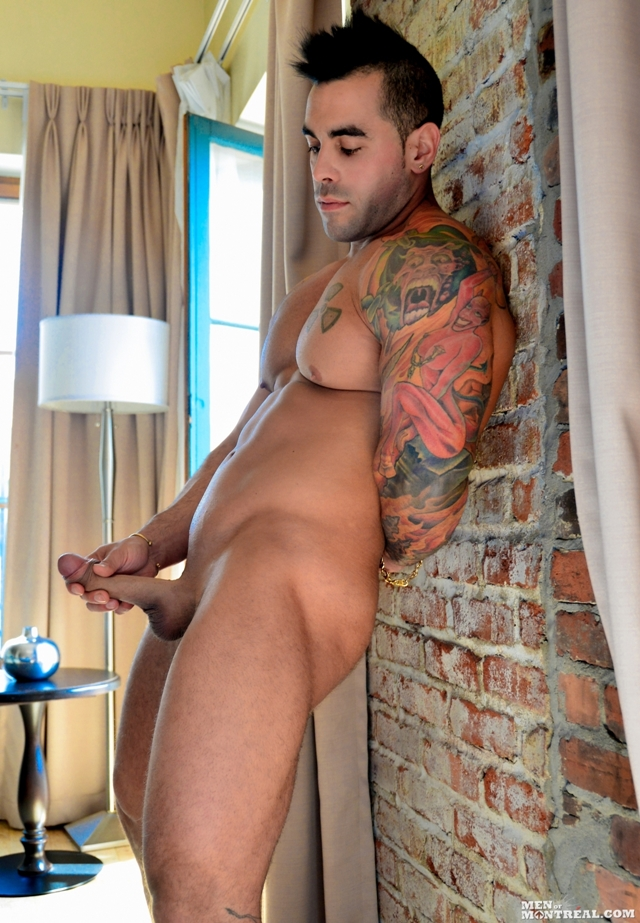 MenofMontreal-Italian-muscle-hunk-Emilio-Calabria-30-year-old-professional-athletes-jock-beefy-chest-013-male-tube-red-tube-gallery-photo