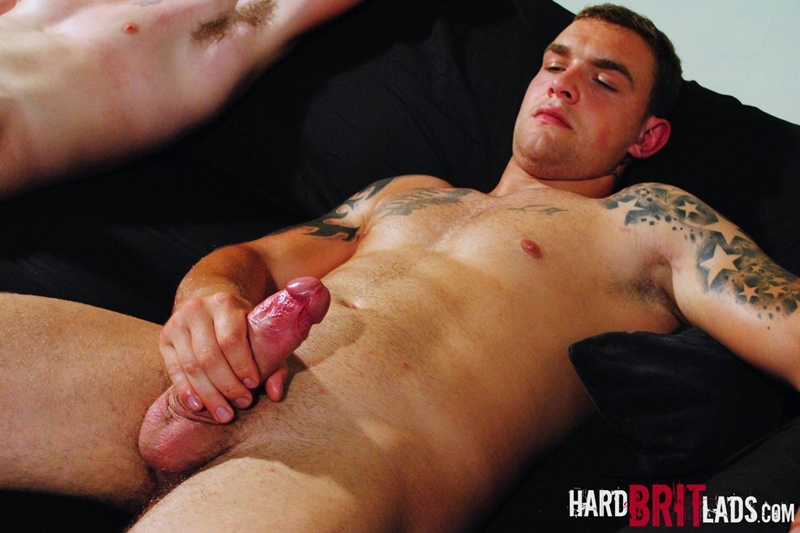HardBritLads-Big-beefy-Lee-Andrews-Sean-Andrews-jerk-off-built-muscular-brother-bodybuilding-shoots-huge-thick-jizz-explosive-cumshots-014-tube-download-torrent-gallery-photo