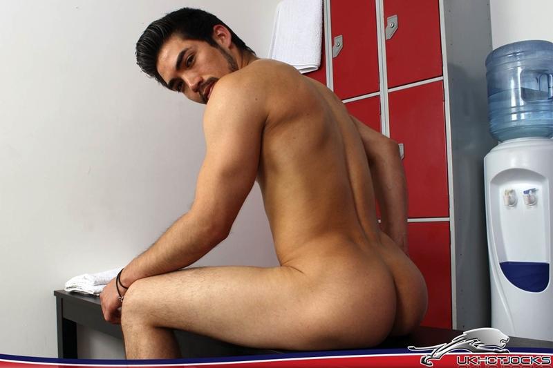 UKHotJocks-Sexy-cute-Alexis-Belfort-gorgeous-exhibitionist-locker-room-sexy-pierced-nipples-crotch-dick-shorts-hot-horny-locker-jock-011-tube-download-torrent-gallery-sexpics-photo
