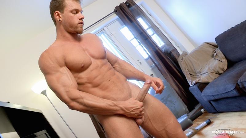 Muscular dudes cock