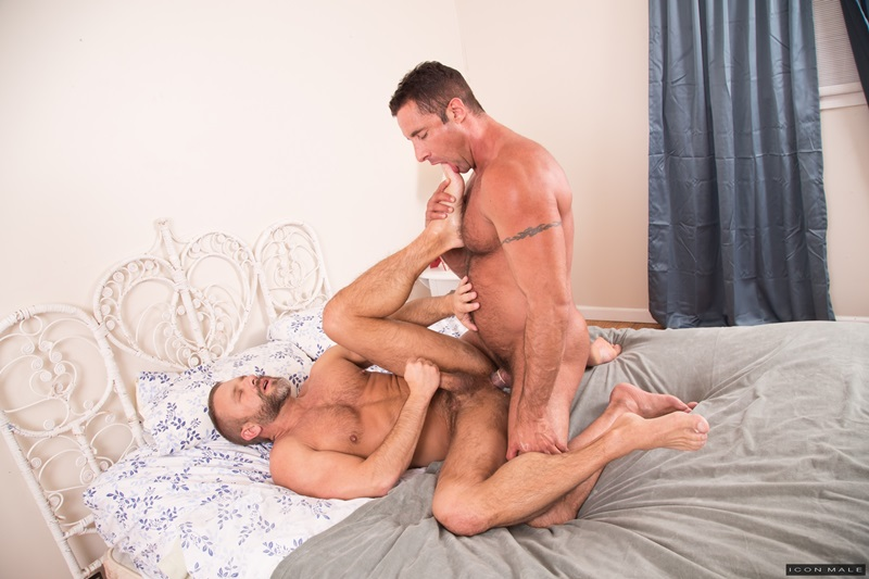 IconMale-sexy-naked-men-Nick-Capra-fucks-ass-big-daddy-Dirk-Caber-hairy-chest-asshole-cocksucking-anal-rimming-big-dick-porn-star-012-gay-porn-sex-porno-video-pics-gallery-photo