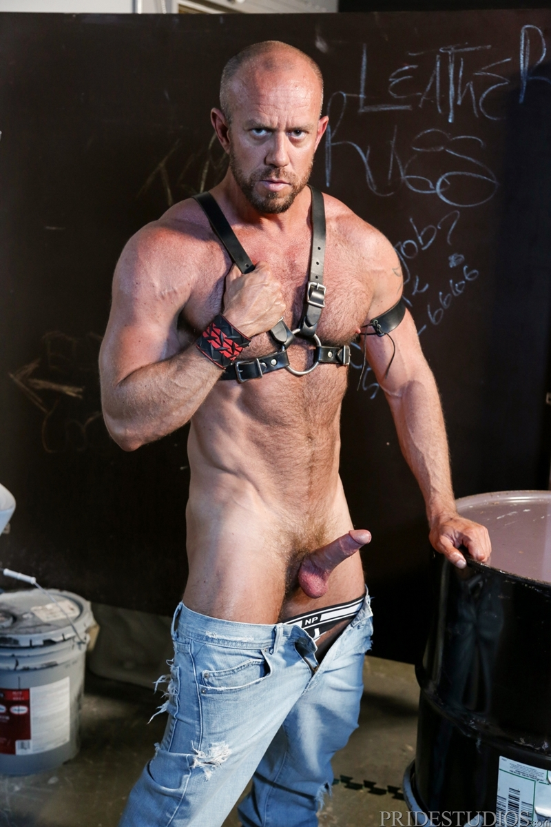 HighPerformanceMen-Big-muscle-daddy-Matt-Stevens-leather-harness-hairy-chest-tattooed-young-punk-Bradley-Boyd-003-tube-video-gay-porn-gallery-sexpics-photo