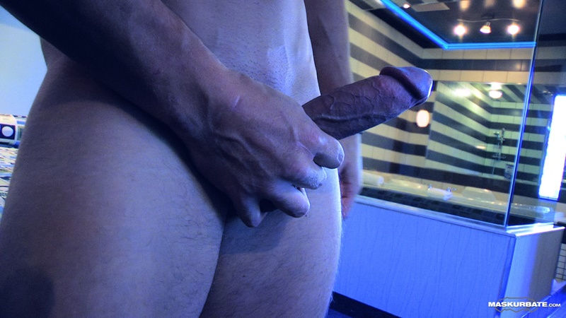 maskurbate-sexy-ripped-muscle-naked-dude-tony-muscled-masked-stranger-jerks-big-thick-large-cock-huge-cum-load-jizz-cumshot-010-gay-porn-sex-gallery-pics-video-photo