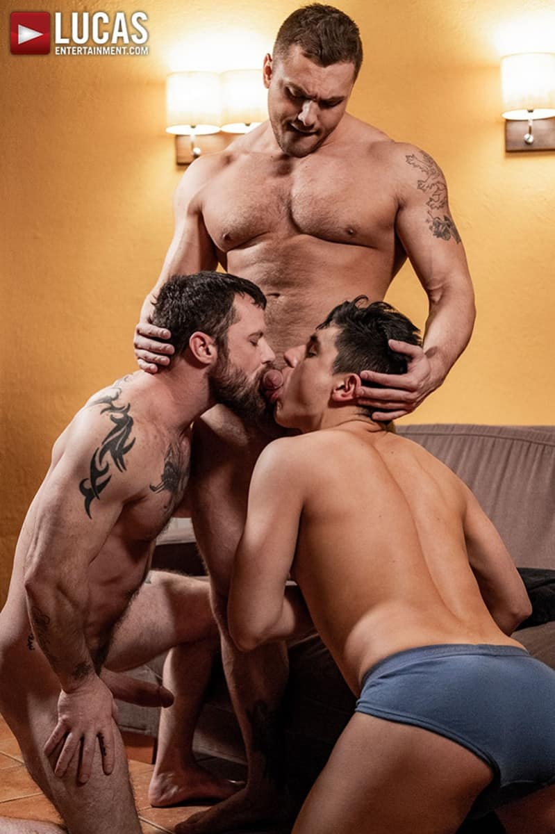 Men for Men Blog LucasEntertainment-Hot-muscle-hunks-Brock-Magnus-Sergeant-Miles-spit-roast-Ken-Summers-open-holes-double-fuck-006-gay-porn-pics-gallery Hot muscle hunks Brock Magnus and Sergeant Miles spit-roast both Ken Summers' open holes Lucas Entertainment