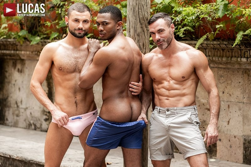 Men for Men Blog MANUEL-SKYE-JEFFREY-LLOYD-SEAN-XAVIER-SUNSET-SEX-LucasEntertainment-005-gay-porn-pictures-gallery Jeffrey Lloyd bareback fucks Sean Xavier before he takes Manuel Skye's big muscle cock Lucas Entertainment