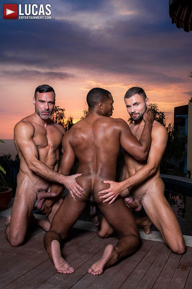 Men for Men Blog MANUEL-SKYE-JEFFREY-LLOYD-SEAN-XAVIER-SUNSET-SEX-LucasEntertainment-008-gay-porn-pictures-gallery Jeffrey Lloyd bareback fucks Sean Xavier before he takes Manuel Skye's big muscle cock Lucas Entertainment