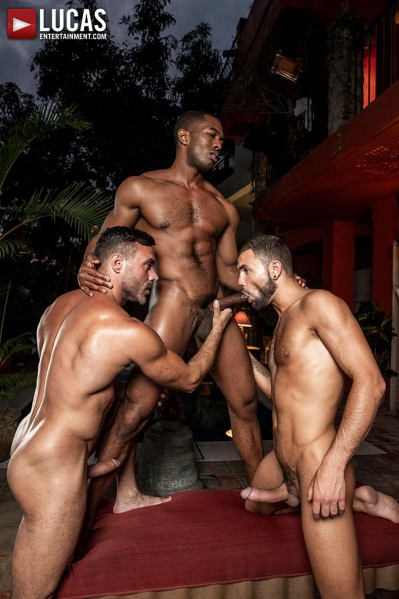 Men for Men Blog MANUEL-SKYE-JEFFREY-LLOYD-SEAN-XAVIER-SUNSET-SEX-LucasEntertainment-012-gay-porn-pictures-gallery Jeffrey Lloyd bareback fucks Sean Xavier before he takes Manuel Skye's big muscle cock Lucas Entertainment