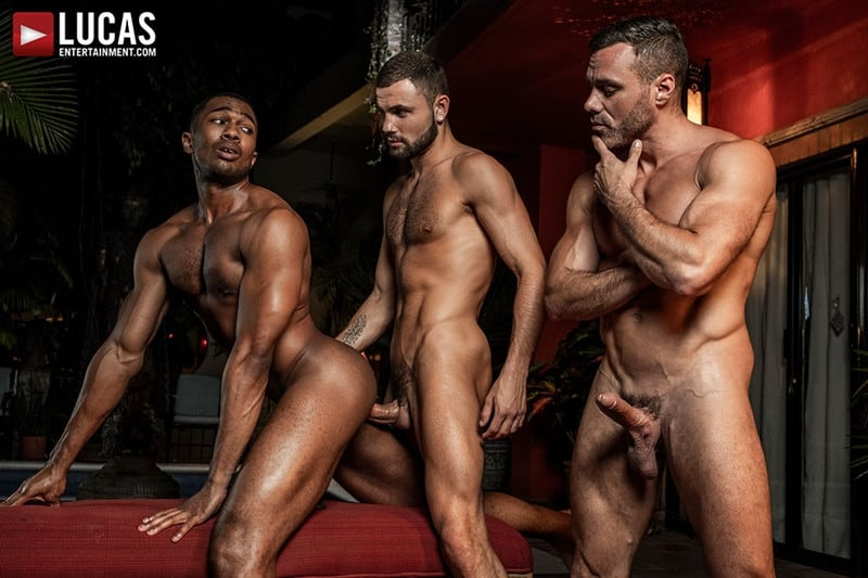 Men for Men Blog MANUEL-SKYE-JEFFREY-LLOYD-SEAN-XAVIER-SUNSET-SEX-LucasEntertainment-023-gay-porn-pictures-gallery Jeffrey Lloyd bareback fucks Sean Xavier before he takes Manuel Skye's big muscle cock Lucas Entertainment