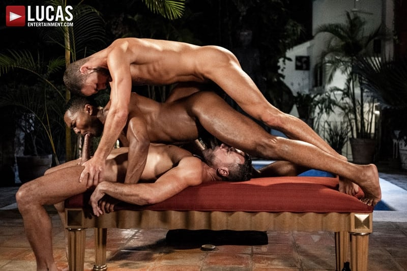 Men for Men Blog MANUEL-SKYE-JEFFREY-LLOYD-SEAN-XAVIER-SUNSET-SEX-LucasEntertainment-025-gay-porn-pictures-gallery Jeffrey Lloyd bareback fucks Sean Xavier before he takes Manuel Skye's big muscle cock Lucas Entertainment
